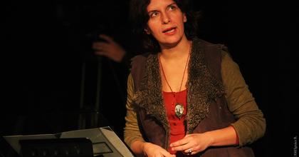 Lila ákác filmen és színpadon