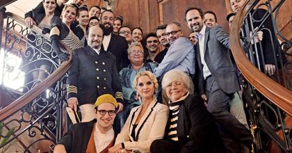 Kifutott a La Paz luxushajó – Érkezik az Amerikai komédia az Átriumba