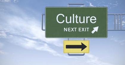 A kultúra világszerte több bevételt állít elő, mint az autóipar vagy a távközlés