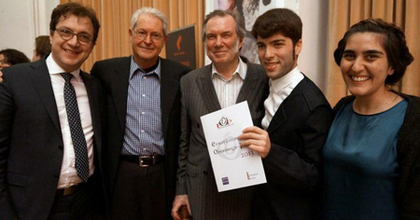 A spanyol Rafael R. Villalobosé a fiatal operarendezők díja idén