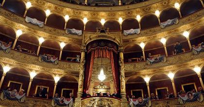 Talpra állt a csődtől fenyegetett római operaház