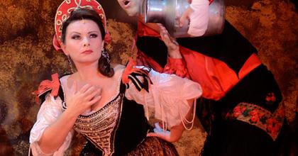Júliusig látható az Operettszínház összes premierje!