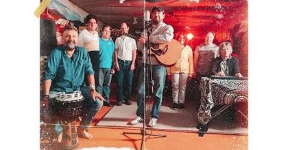 Bérczesi Robi írt dalt a Baltazár Színház társulatának
