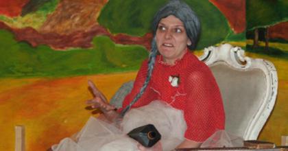 Cseh komédia a Petőfi Irodalmi Múzeum kertjében