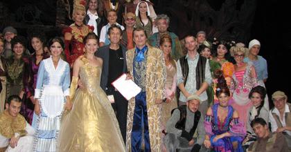 Elkezdődött az Operettszínház 300-as sorozata - a világhírű Semperoperben