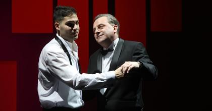 Jótékony január a Veszprémi Petőfi Színházban