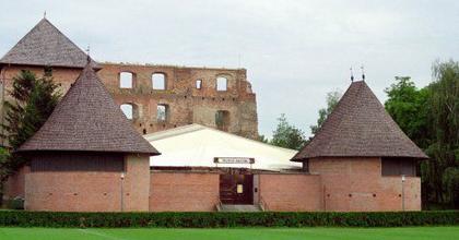 Indulnak a várszínházi előadások Kisvárdán