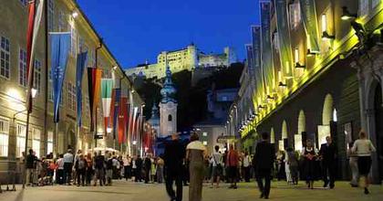 Katolikus és hindu párbeszéd a Salzburgi Ünnepi Játékokon