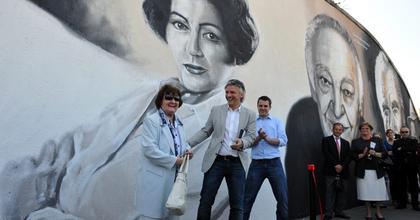 'A színház a diskurzus terepe' - Réthelyi és Alföldi is a Nemzetiben ünnepelt