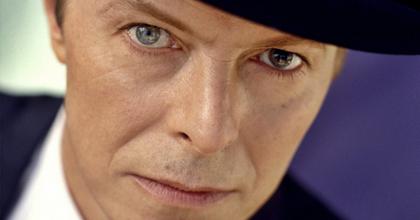 Színházi előadáshoz ír új dalokat ír David Bowie