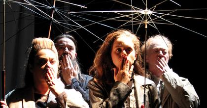 Ausztriában egy színdarabban dolgozták fel a hűtőkocsiban megfulladt migránsok történetét