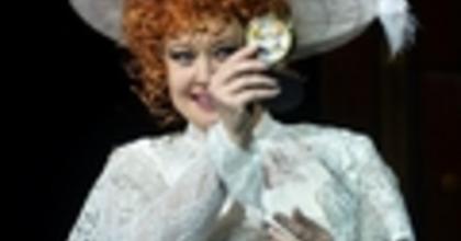 """""""Soha nem késő szerelmesnek lenni"""" – Hello, Dolly! bemutató Miskolcon"""