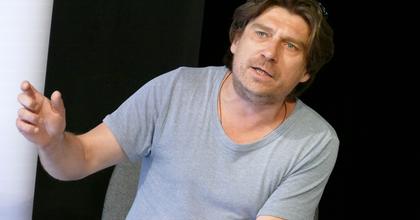 A sok helyről jött ember csodákra képes – interjú Tapasztó Ernő rendezővel