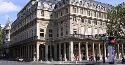 Dráma a Comédie-Française-ben