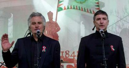 Országszerte tízezrek szavalták egyidőben a Nemzeti dalt