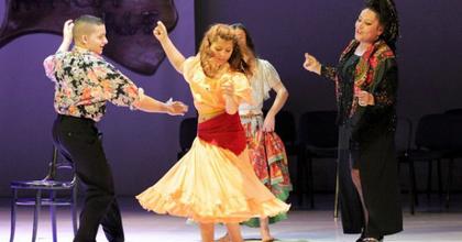 A Cigány Színház érkezik a Bethlenbe