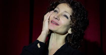 Keresztes Ildikó ötvenedszer bújik Edit Piaf bőrébe