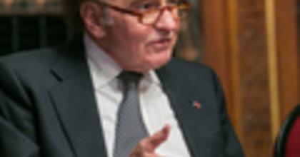 Bernstein Kaddish-szimfóniája  Samuel Pisarral debütál az Operaházban
