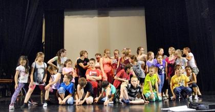 Ismét színházi tábort szervez a veszprémi színház