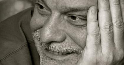 Az ellentmondó igazságok terepe - Interjú Mohácsi Jánossal