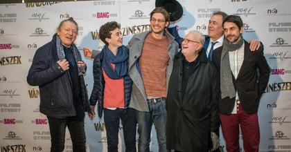 Vándorszínészek – Filmpremier a fehérvári színházban