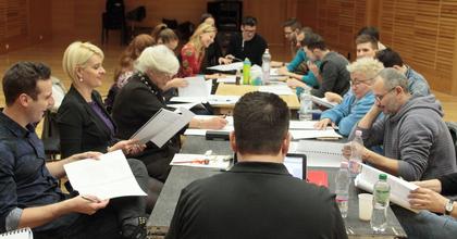 Szvingjáték a fedélzeten - Amerikai komédia az Operettben