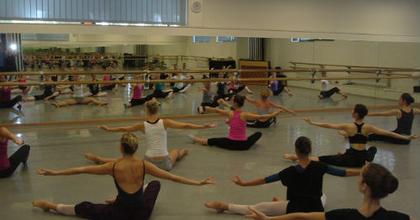 Új mesterekkel kezdi a tanévet a táncművészeti főiskola