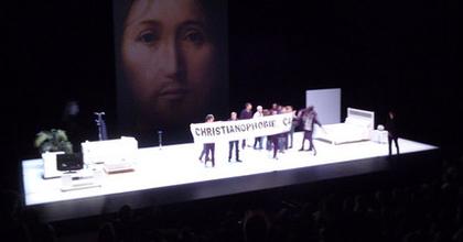 Krisztus arcának fogalma botrányt kavart Párizsban