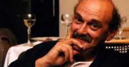 Drámaíróként debütált a könyvkiadó Bíró Ádám Párizsban