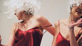 Frenák-előadással folytatódik szombaton a Take a Seat! – online Trafó-estek
