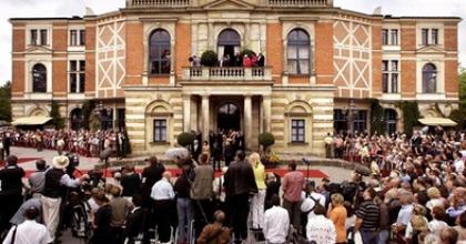 Wagner 200 - Kompressziós harisnyát ajánlanak a nézőknek