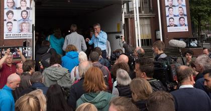 A parndorfi menekülttragédiát rekonstruálta egy német színház