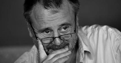 Komolyabb kesztyűk - Interjú Máté Gáborral