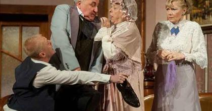 Operettgálával és vendégjátékokkal kezdi az évadot Nemcsák