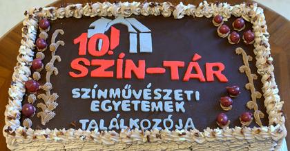 Elkezdődött a 10. SZÍN-TÁR Fesztivál Kecskeméten