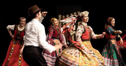 A Háromszék Táncegyüttes táncosokat és irodalmi titkárt keres