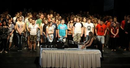 Ádámok és Évák ünnepe - 200 diák, 10 előadás Békéscsabán