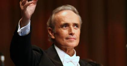 Nyolc év után először énekelt végig egy operát José Carreras