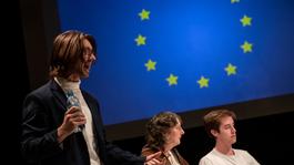 A STEREO AKT Németországban mutatja be új előadását Európa jövőjéről