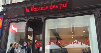 Helyben nyomtatható könyvekkel várja az olvasókat egy párizsi könyvesbolt