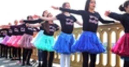 Bárki csatlakozhat a táncos flashmobhoz  a Tánc Világnapján