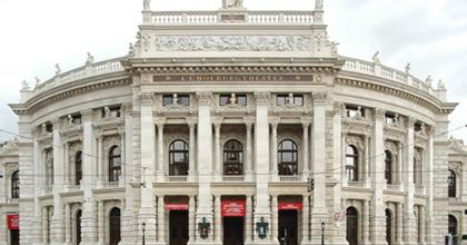 8 millió eurós hiány a Burgtheaternél - Nyílt levelet írt a társulat