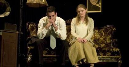 A Negyednégy Színház