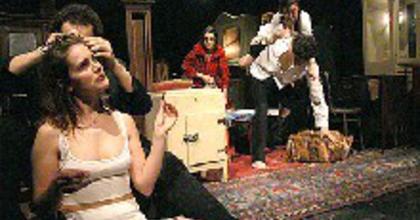 Valaki kopog - fiatalok sikere a Vígszínházban