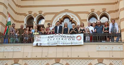 Első évadát kezdi a Babits Mihály Kamaraszínház Esztergomban