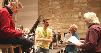Kerekes Éva és Mácsai Pál Esterházy szöveget mond a virágvasárnapi koncerten