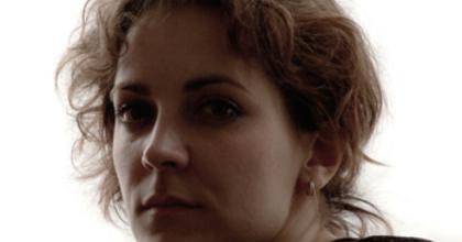 'Színészek lesznek a bábok' - Csató Kata Az okos lányról