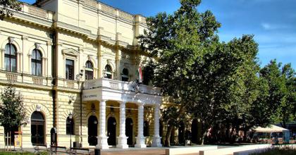 Szombaton nyit a békéscsabai színház Művész Kávéháza