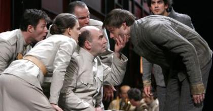 Nyerjen jegyet a Nemzeti Színházba! - Egyszer élünk... | LEZÁRULT!