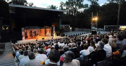 A Kölcseybe költöznek a Debreceni Nagyerdei Színpad hétvégi produkciói
